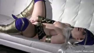 Gorgeous Curvy League of Legends Ashe Cosplay Girl Masturbating on Couch