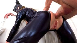 Catwoman Cosplayer In Latex Suit Gets Fucked Ass To Mouth