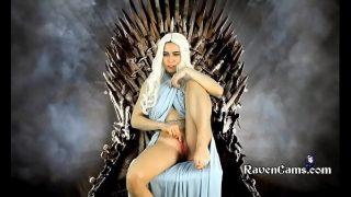 Game of Thrones Daenerys Targaryen Khaleesi Cosplayer Masturbating While Sitting on The Iron Throne
